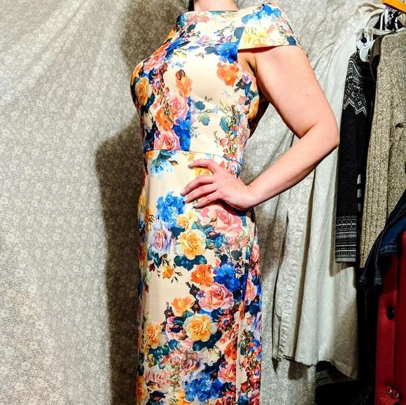 108b86b299 Betsey Johnson Dresses   Skirts - GORGEOUS Betsey Johnson dress!